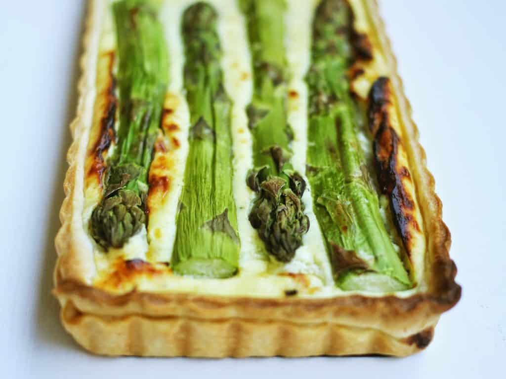 Spargel | Tart | Spargeltart | Ziegenfrischkäse | Mozzarella | Emmentaler | Tonkabohne | soap|kitchen|style
